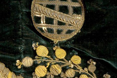 Manto Majestático detalhe Esfera Armilar